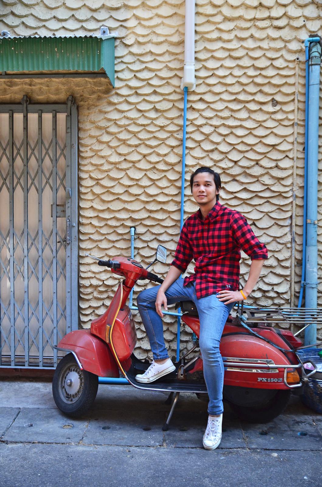 เสื้อลายสก๊อตสีแดง biker