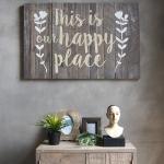 วอลล์อาร์ตเขียนตัวอักษร This is our happy place