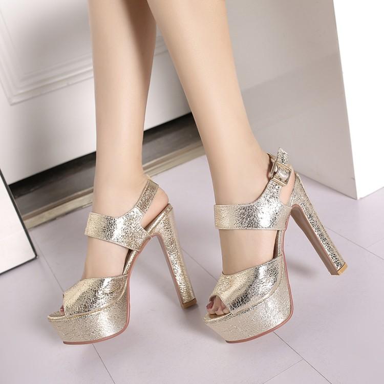 พรีอเดอร์ รองเท้าแฟชั่น 32-43 รหัส 9DA-1697