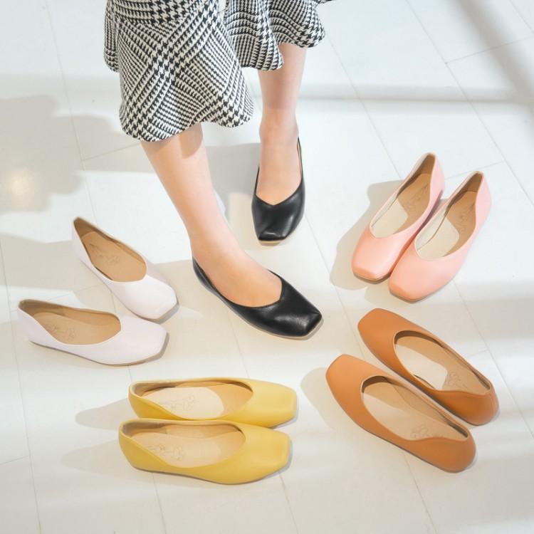 Preorder รองเท้าส้นเตี้ย 30-50 รหัส Y-8300