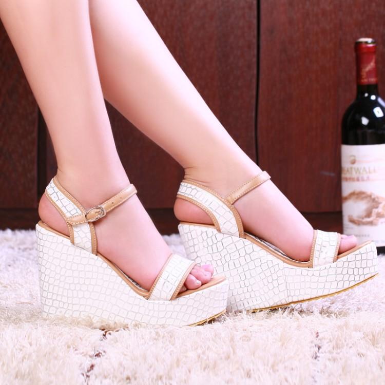 Preorder รองเท้าแฟชั่น สไตล์ เกาหลี 30-43 รหัส 9DA-9791
