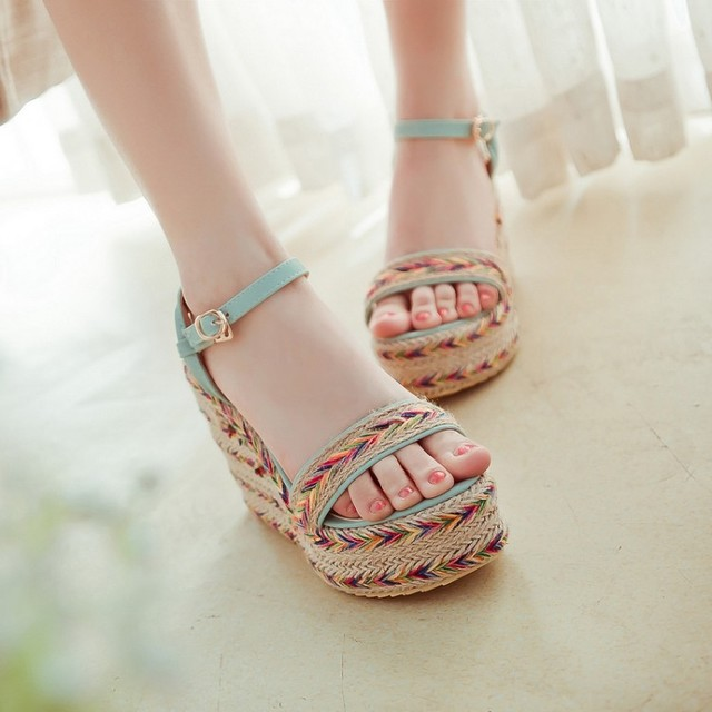 Preorder รองเท้าแฟชั่น สไตล์ เกาหลี 32-43 รหัส 9DA-6994