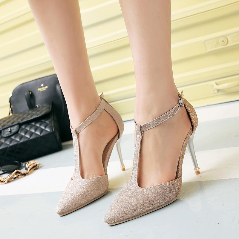 พรีอเดอร์ รองเท้าแฟชั่น 32-47 รหัส Y-3921
