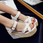 Preorder รองเท้าแฟชั่น สไตล์เกาหลี 32-43 รหัส 9DA-9441