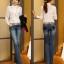 รหัส A111 เสื้อลูกไม้สีขาวเนื้อผ้าอย่างดีทั้งตัว ต่อช่วงแขนด้วยผ้าชีฟอง thumbnail 3
