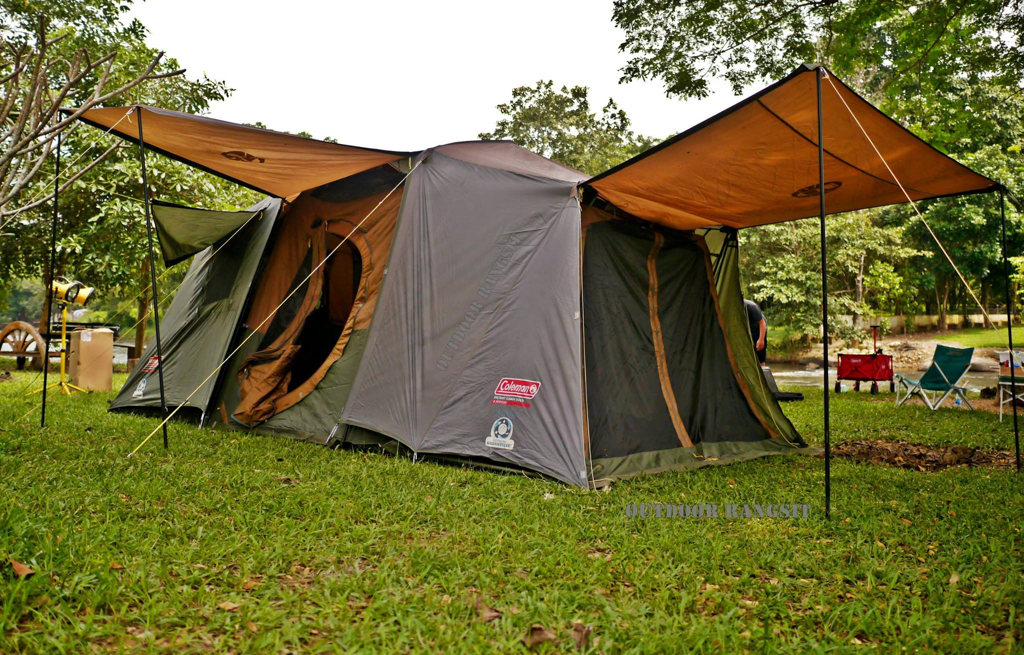 Coleman Instant Up Cabin Gold 8P Tent